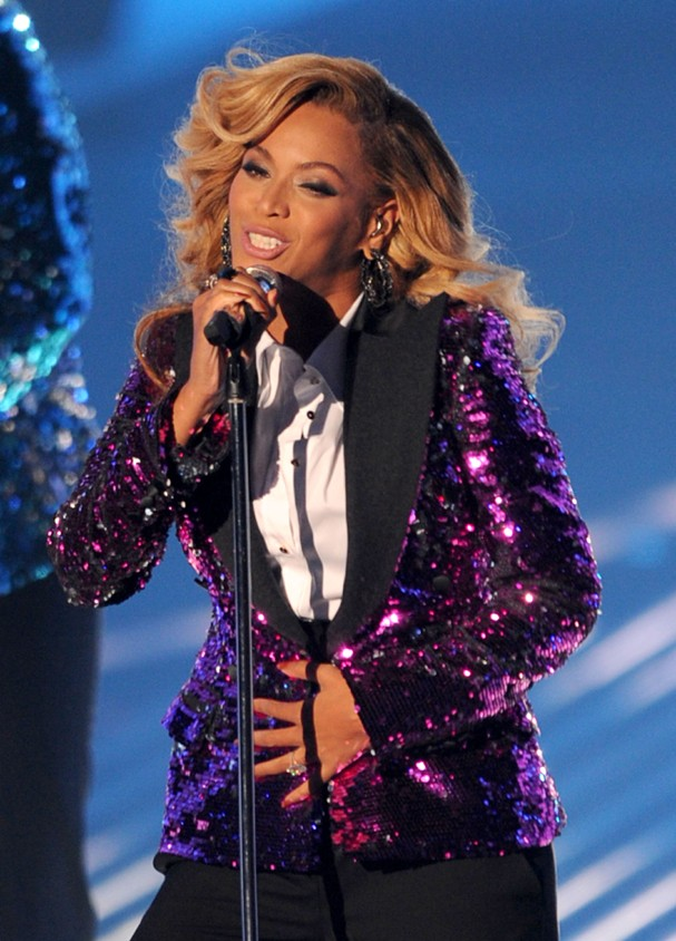 LOS ANGELES, CA - AUGUST 28:  Singer Beyonce Knowles performs onstage during the 2011 MTV Video Music Awards at Nokia Theatre L.A. LIVE on August 28, 2011 in Los Angeles, California.  (Photo by Kevin Winter/Getty Images) (Foto: Getty Images)