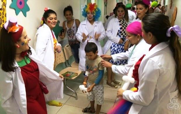 Grupo Pirilampos promovem dia de atividades em unidades de saúde de Roraima (Foto: Roraima TV)