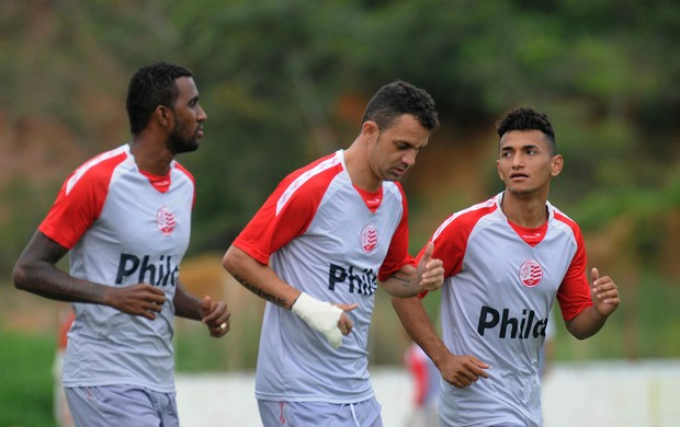 João filipe magrão rogério náutico treino (Foto: Aldo Carneiro / Pernambuco Press)