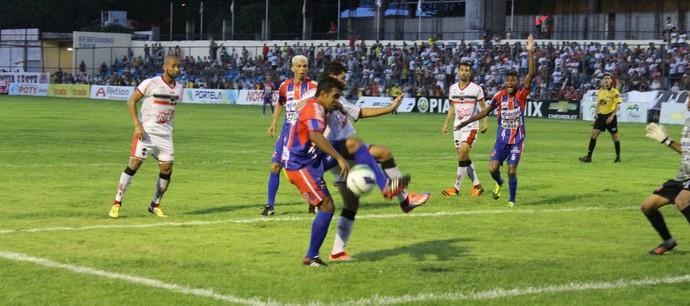 River-PI x Barras pelas sétima rodada do Campeonato Piauiense (Foto: Emanuele Madeira/GLOBOESPORTE.COM)