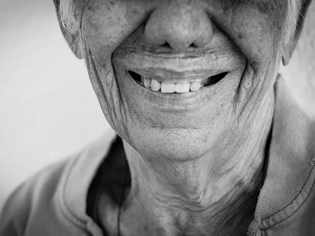 Galeria reúne 36 fotos de idosos institucionalizados (Foto: Vívian Novaes)