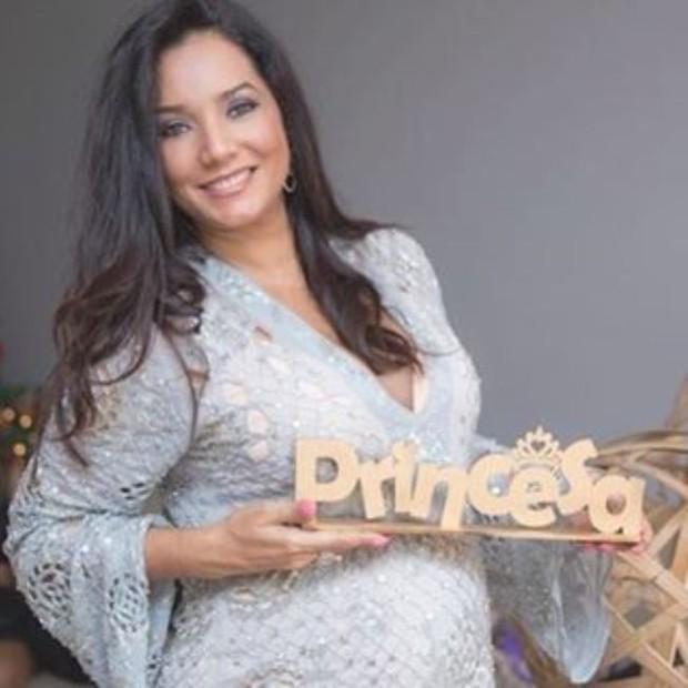 Mônica Carvalho deu à luz Valentina neste domingo, 21 (Foto: Reprodução do Instagram)
