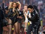 Beyoncé arrasa em show no intervalo do Super Bowl ao lado de Coldplay