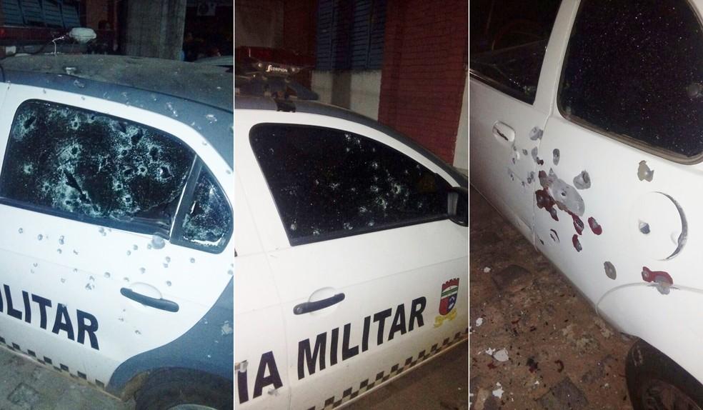 Viatura da PM e veículo que estava estacionado em delegacia foram metralhados (Foto: Divulgação / PM)
