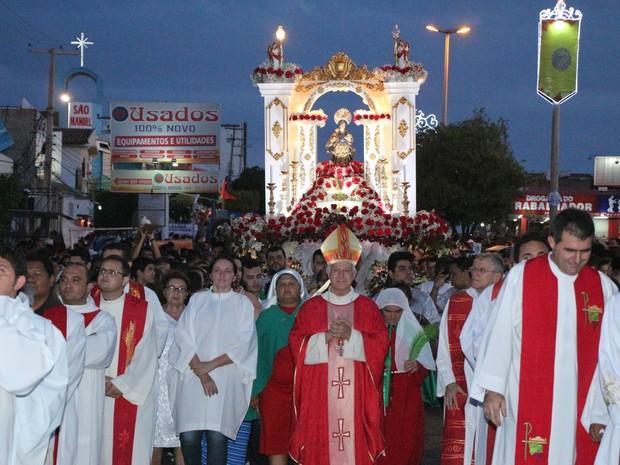 Resultado de imagem para fotos procissao encerramento festa santa luzia mossoro