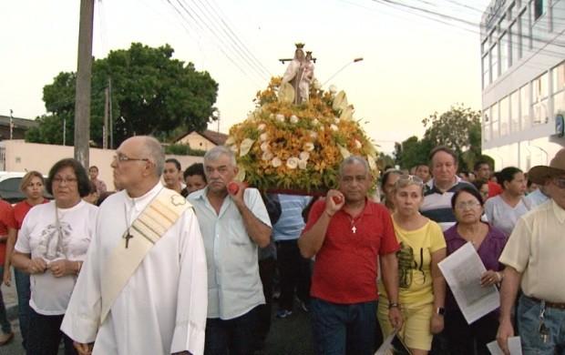 Procissão para Nossa Senhora da Conceição reúne centenas de fiéis em Roraima (Foto: Bom Dia Amazônia)