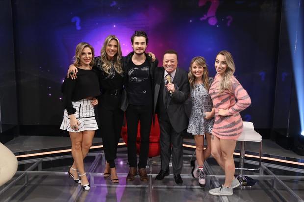 Sheila, Ciça, Tiago Iorc, Raul, Marcela e Naty (Foto: Rodrigo Belentani / SBT)