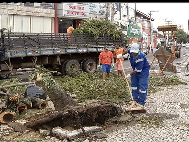 Chuva Cabo Frio destruição (Foto: Reprodução)