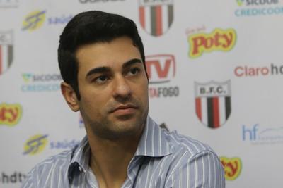 Raphael Magno Teles, diretor de futebol do Botafogo-SP (Foto: Rogério Moroti/Ag. Botafogo)