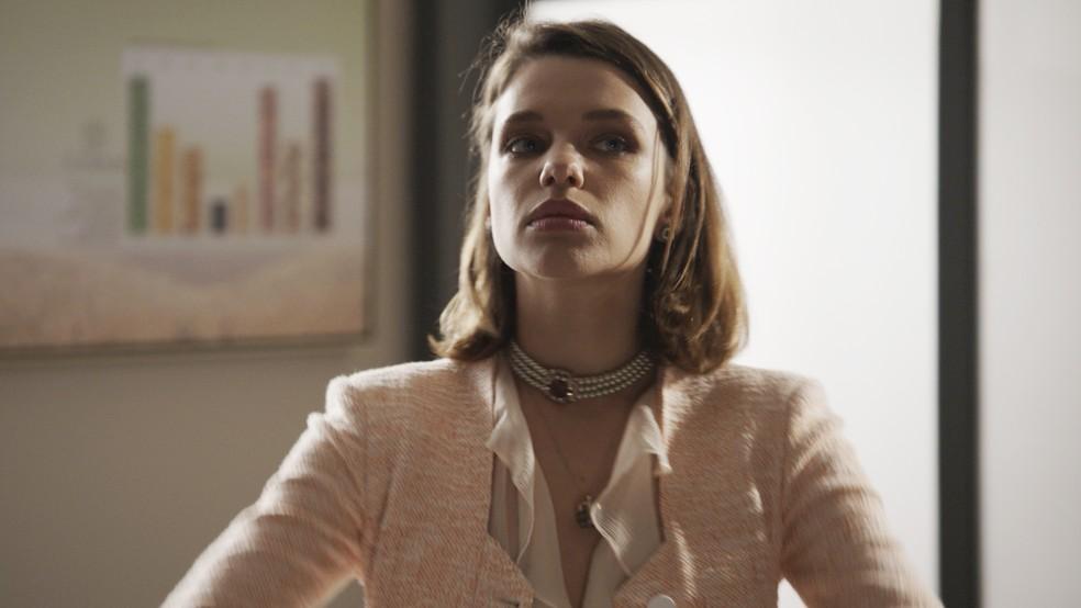 Será que Cibele vai trair Anita? (Foto: TV Globo)