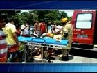 Colisão entre carro e moto deixa uma mulher ferida em Campos, no RJ