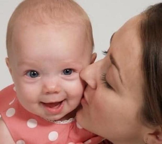 Ashley e a filha McKeena (Foto: Reprodução Facebook)