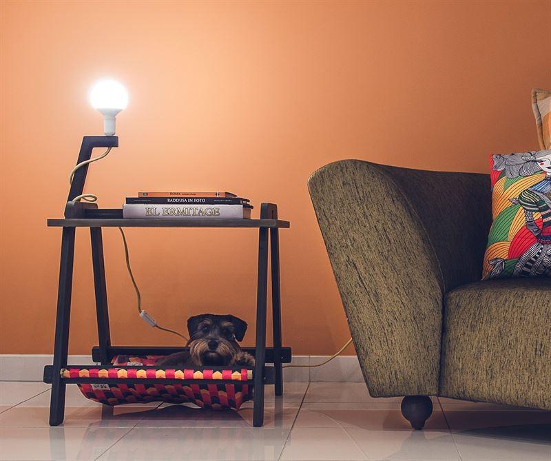 Trapezista: mesa, luminária, cama e design, da Conviva!Design (R$620) (Foto: Reprodução)