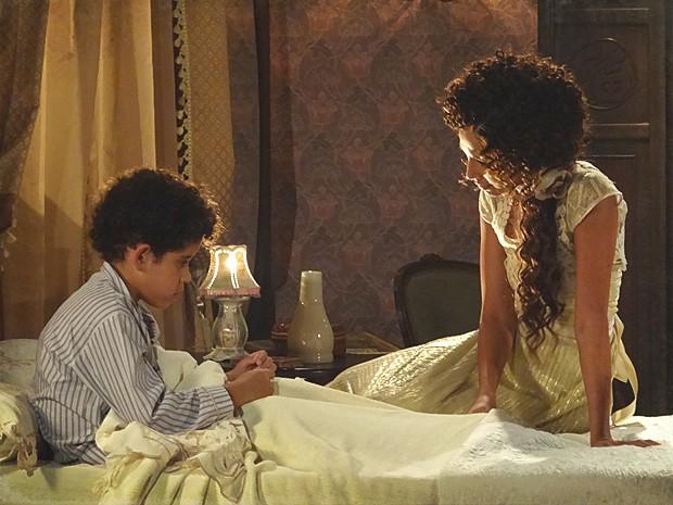 Isabel diz a Elias que ele vai receber a visita de Albertinho (Foto: Lado a Lado / TV Globo)