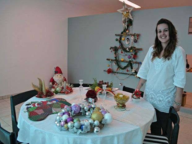 decoracao de arvore de natal simples e barata : decoracao de arvore de natal simples e barata:Arquiteta cria peças natalinas usando materiais baratos (Foto: Eliete