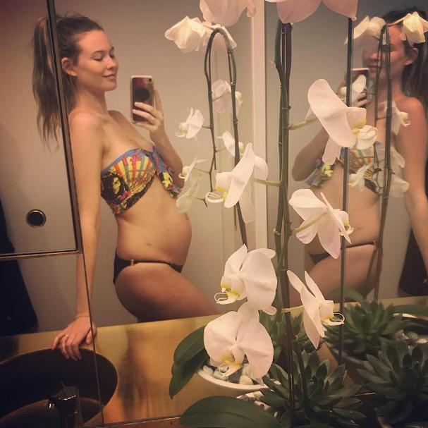 Behati Prinsloo Levine está grávida do segundo filho (Foto: Instagram/Reprodução)
