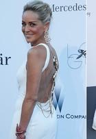 Alessandra Ambrósio, Luciana Gimenez e Sharon Stone, entre outras, vão a baile de gala em Cannes