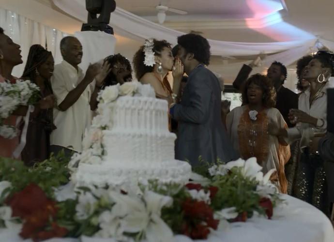 Brau e Michele se casam pela primeira vez (Foto: TV Globo)