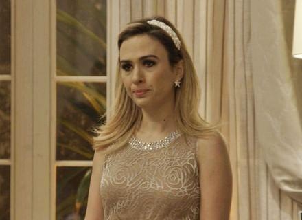 Fedora decide expulsar Aparício da mansão dos Abdala