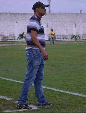 Everton Goiano, técnico do Treze (Foto: Hévilla Wanderley / GloboEsporte.com/pb)