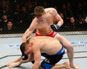 Stephen Thompson nocauteia Robert Whittaker no card principal do UFC 170