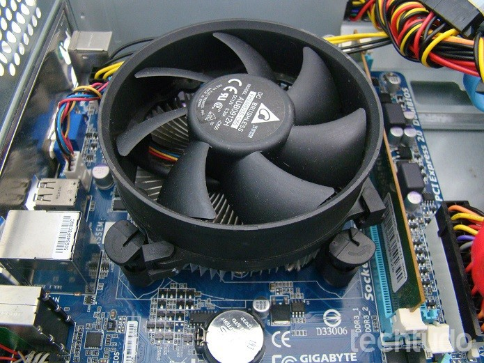 Cooler devidamente instalado (Foto: Felipe Alencar/TechTudo)
