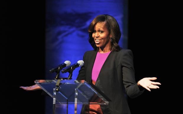 A primeira-dama dos EUA, Michelle Obama, discursa nesta segunda-feira (17) (Foto: AFP)