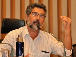 Professor Frederico Flósculo na Câmara Legislativa do DF (Foto: Solange Andrade/Arquivo Pessoal)