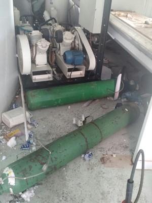 Cilindros de oxigênio após explosão, na UPA de Ceilândia (Foto: Corpo de Bombeiros/Divulgação)