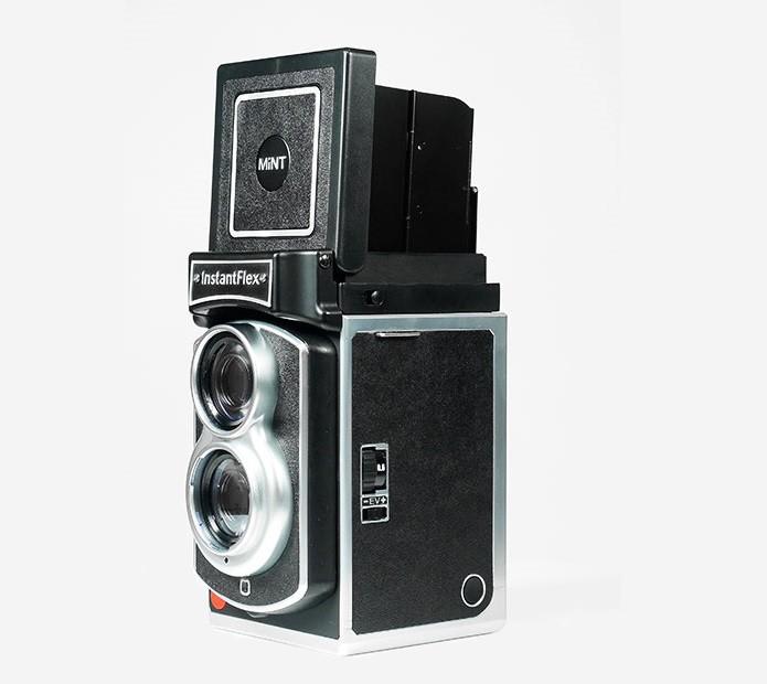 Nova câmera é um misto de retrô e Polaroid (Foto: Divulgação/MiNT)