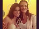 Tiete da Ivete! Ex-BBB Kamilla tira foto com a cantora no Rio