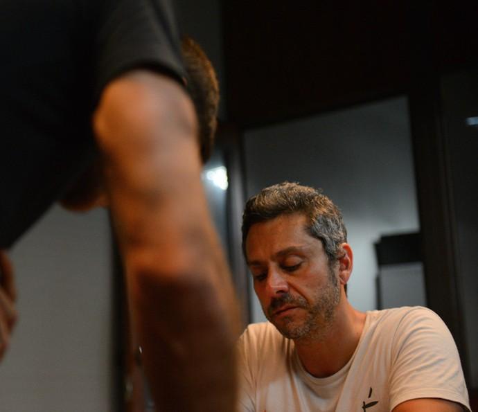 Romero se nega a abrir o jogo com o filho (Foto: Pedro Carrilho/Gshow)