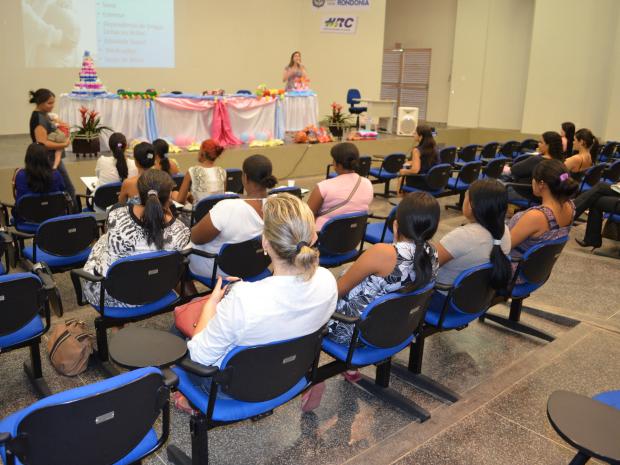 As palestras foram realizadas na terça-feira (7) pela Secretaria de Ação Social e Trabalho (Foto: Magda Oliveira/G1)