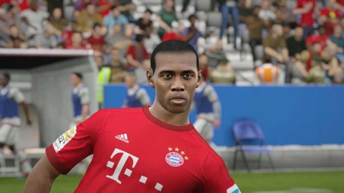 Douglas Costa tem visual bizarro em Fifa 16 (Foto: Reprodução/Murilo Molina)