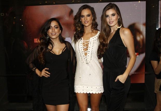 Anitta, Alessandra Ambrósio e Camila Queiroz (Foto: Celso Tavares / Ego)