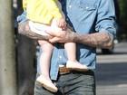 David Beckham dá beijinho na filha