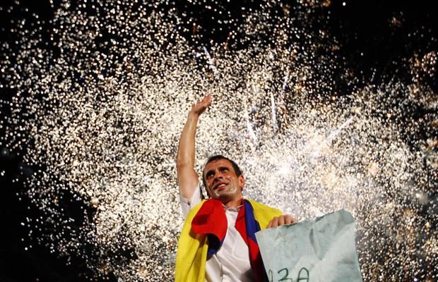 Henrique Capriles em comício em Barinas, nesta quarta-feira (3) (Foto: Carlos Garcia Rawlins/Reuters)
