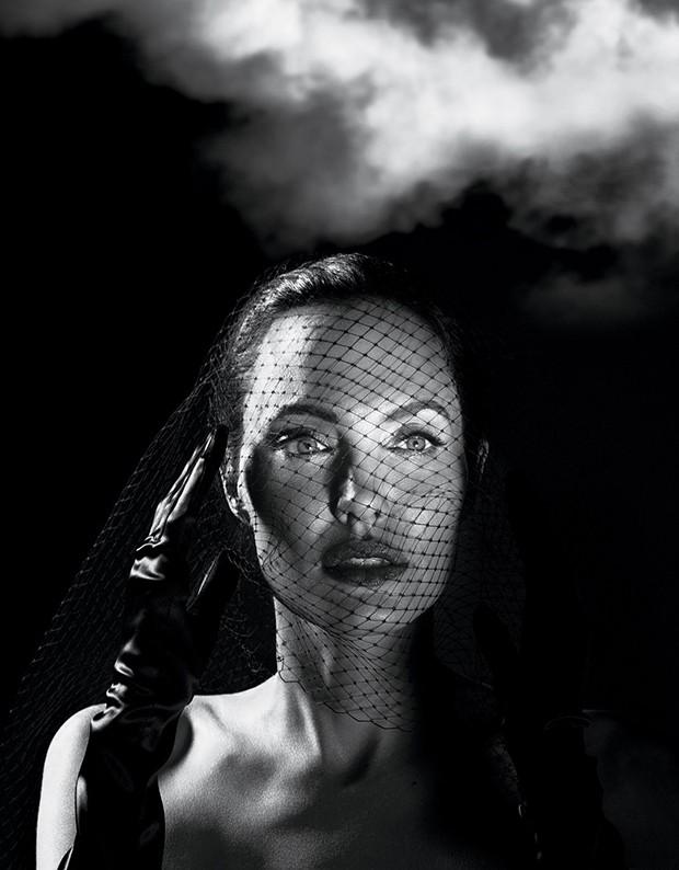 Angelina Jolie (Foto: Reprodução / Vanity Fair)
