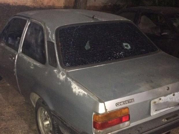 Carro onde um menino de 11 anos foi morto por guardas civis metropolitanos (Foto: Ariel de Castro/Arquivo Pessoal)