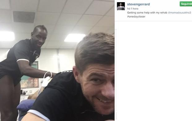 Gerrard com Sakho