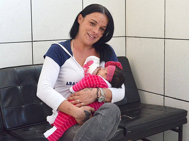 Presa por tráfico, Juliana tenta reverter pena em regime fechado por prisão domiciliar para ficar com os filhos (Foto: Adriano Oliveira/G1)