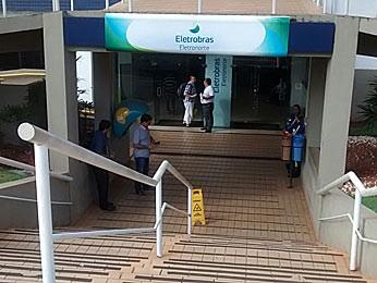 Entrrada da sede da Eletronorte em Brasília (Foto: Isabella Calzolari/G1)