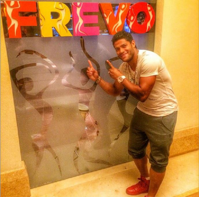 Hulk visita restaurante brasileiro em Dubai (Foto: Reprodução / Instagram)