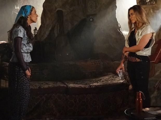 Ayla manda Bianca deixar Zyah (Foto: Salve Jorge/TV Globo)