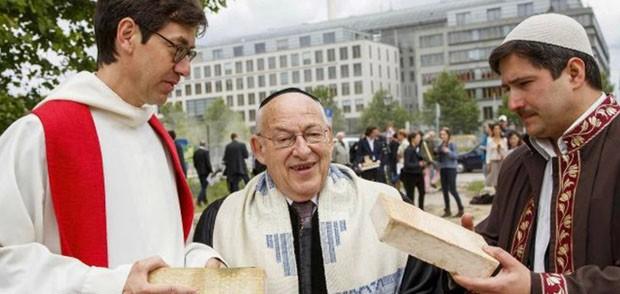 Igreja-mesquista-sinagoga em Berlim  (Foto: Divulgação )