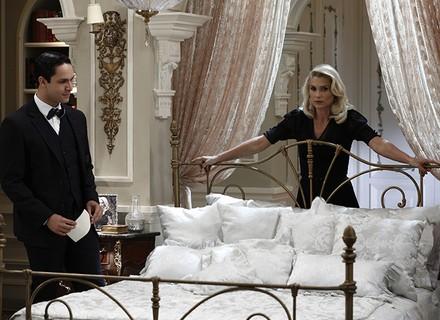 Sandra e Celso descobrem que Candinho está em São Paulo e bolam plano para afastá-lo