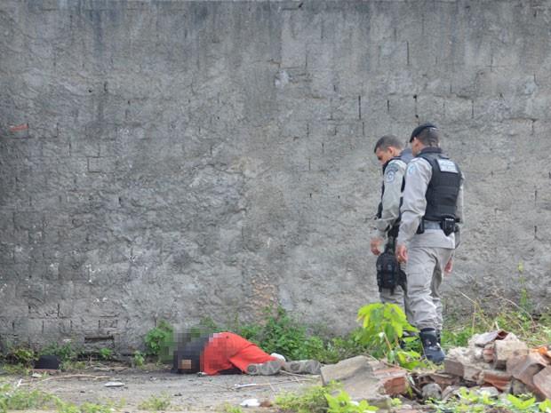 Em um dos casos um homem foi morto a pedradas no inicio da manhã deste sábado (31). (Foto: Walter Paparazzo/G1)