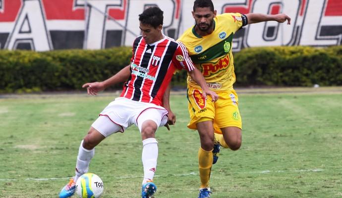 Gimenez, volante do Botafogo-SP (Foto: João Valdevite/Ag. Botafogo)