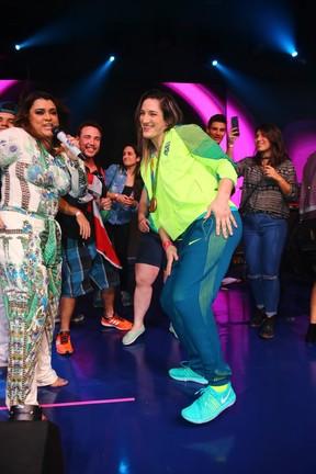 Preta Gil e Mayra Aguiar em evento em shopping na Zona Oeste do Rio (Foto: Francisco Silva/ Ag. News)