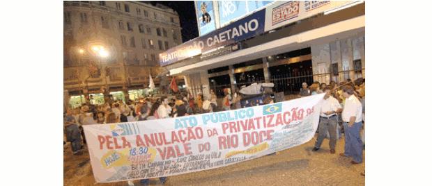 Manifestação contra privatização da Vale do Rio Doce - 1997 (Foto: Colégio Qi/Reprodução)